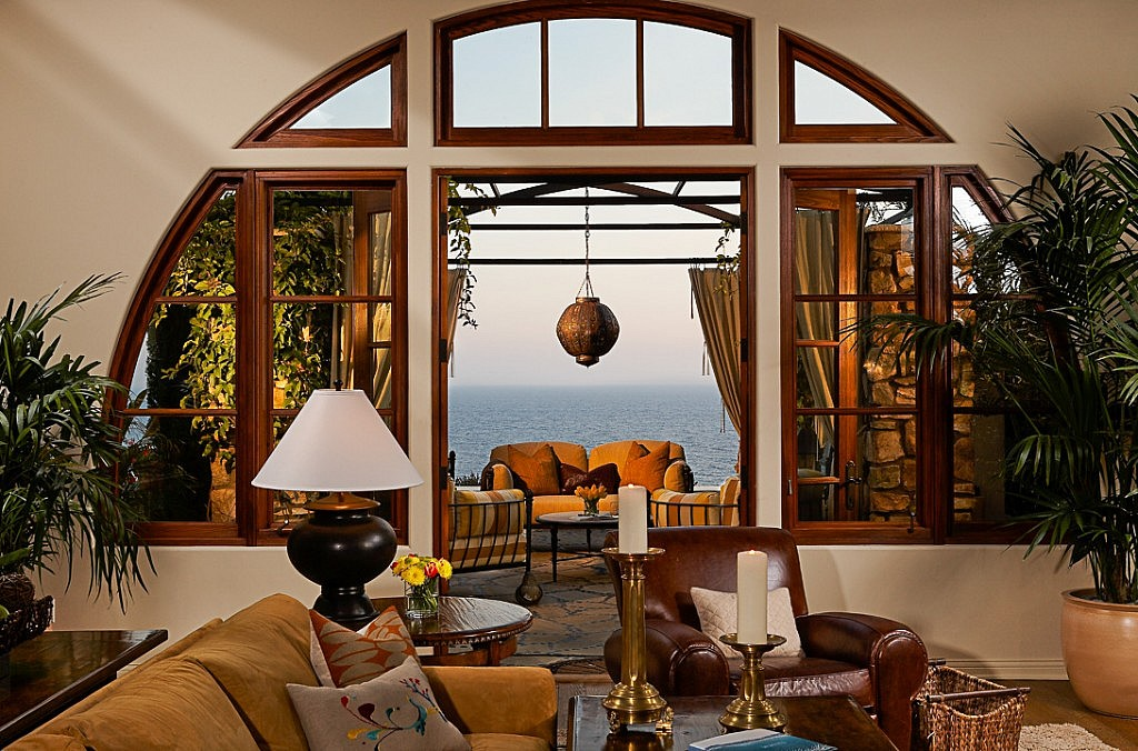 Photograph of a living room with a view of the Pacific Ocean